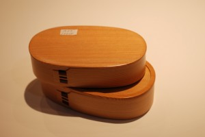 再传统不过的日本便当盒了,缝合度超好,惊叹做工